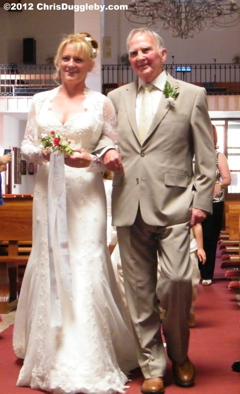 The bride arrives together with father, John Duggleby, a noble man from Yorkshire