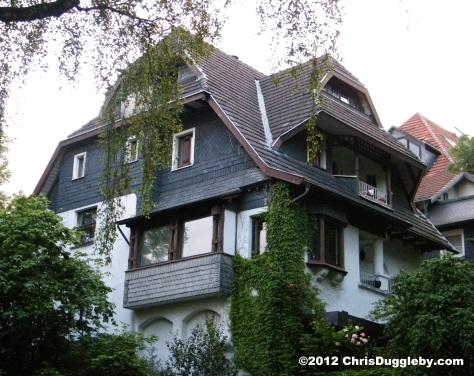 Houses of nobility overlooking Bochum Stadtpark: B