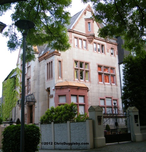 Houses of nobility overlooking Bochum Stadtpark: D