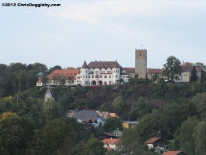 Close up full-frontal view of Schloss Neubeuern from the direction of the Austrian Tyrol