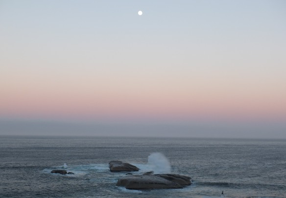 5 Moon setting over 'Sunset' Rocks, Llandudno, Cape Town 0655 7th March 2015