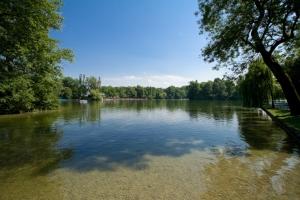 The Kleinhesseloher Lake in Munichs English Garden