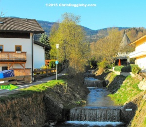 6 Path from Bad Feilnbach along the pretty mountain stream to the Bärenstub'n restaurant