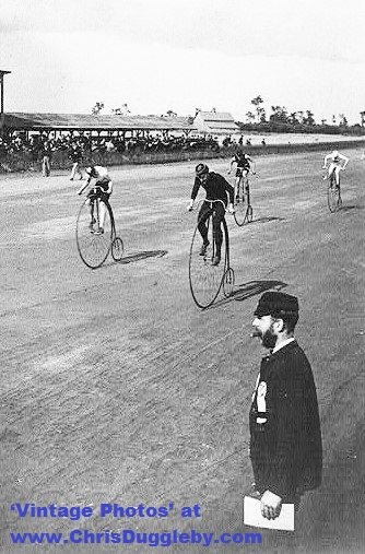Ordinary Bicycle Race from 1890