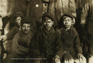 Breaker Boys from the mines of Pittston, Pensylvania, USA (1911)