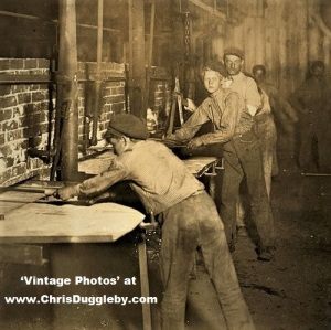 Carrying-in Boys' Working at Midnight in the Indiana Glass Works 1908