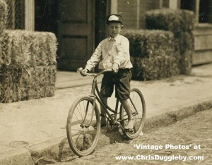 Danville Messengers' Boy - His boss has found a way to help him keep his feet cool while working in 1911