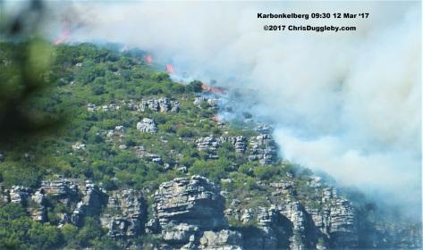 7 Hout Bay Major Fire Approaches Llandudno See Photo Blog Article Sensational Images of Blazing Cape Town Mountain at ChrisDugglebydotcom DSCF3746 (2)