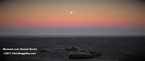 z Full Moon sets over Sunset Rocks Llandudno See Photo Blog Article Sensational Images of Blazing Cape Town Mountain at ChrisDugglebydotcom DSCF3928 (4)